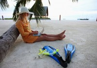 beach-with-laptop