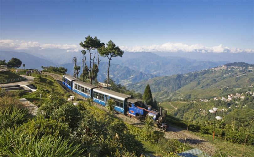 darjeeling train tour
