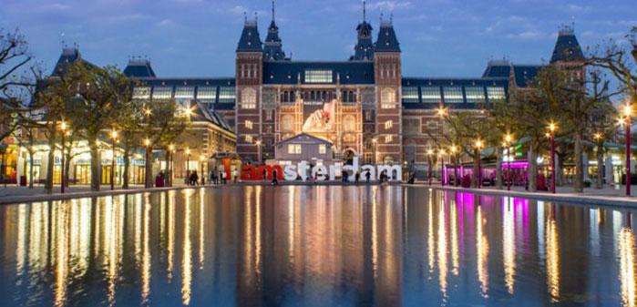 306997_RijksmuseumAmsterdambyNight