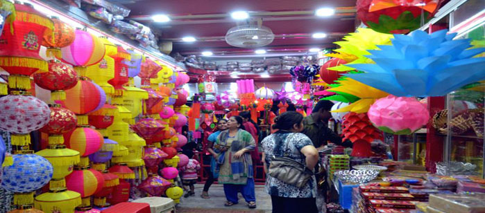 bangalore-people-busy-with-diwali-shopping-in-232444